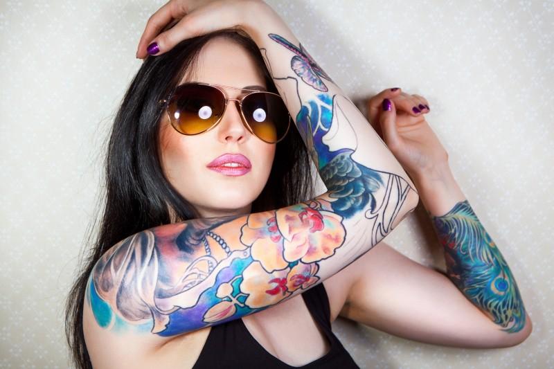 Hot female celebrities rocking a tattoo