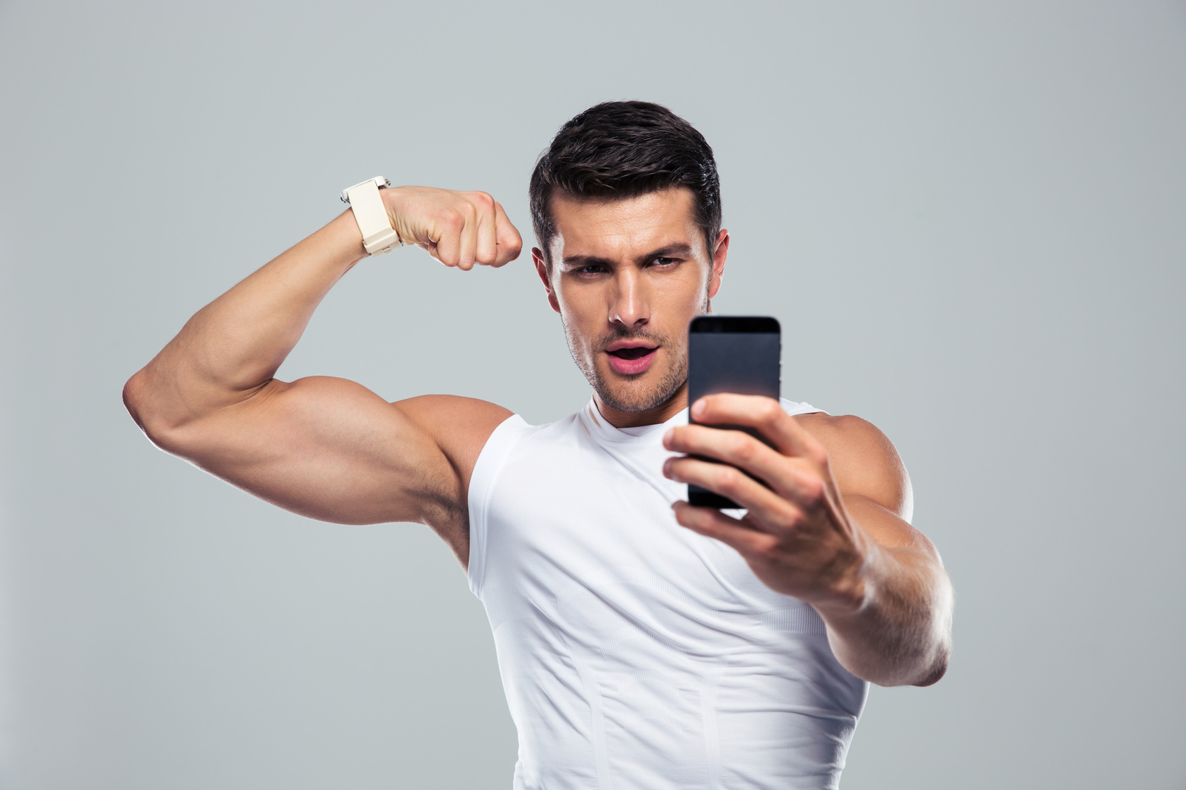"""The """"Gym Selfie"""" narcissism has reached new heights"""